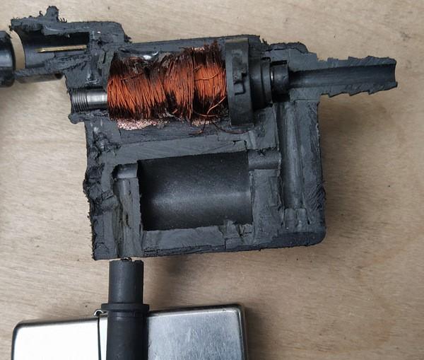 Клапан продувки адсорбера в разрезе